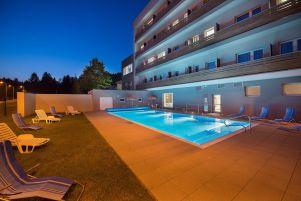 ea-hotel-kraskov-bazen-venkovni-tma-3-.jpg